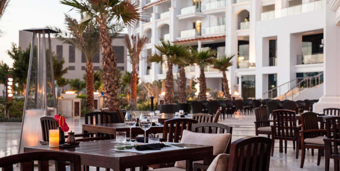 كيف تقضي وقت ممتع في فندق والدورف أستوريا نخلة جميرا خلال شهر أبريل ؟