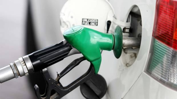 إنفوجرافيك | نصائح للتوفير باستهلاك الوقود في الإمارات
