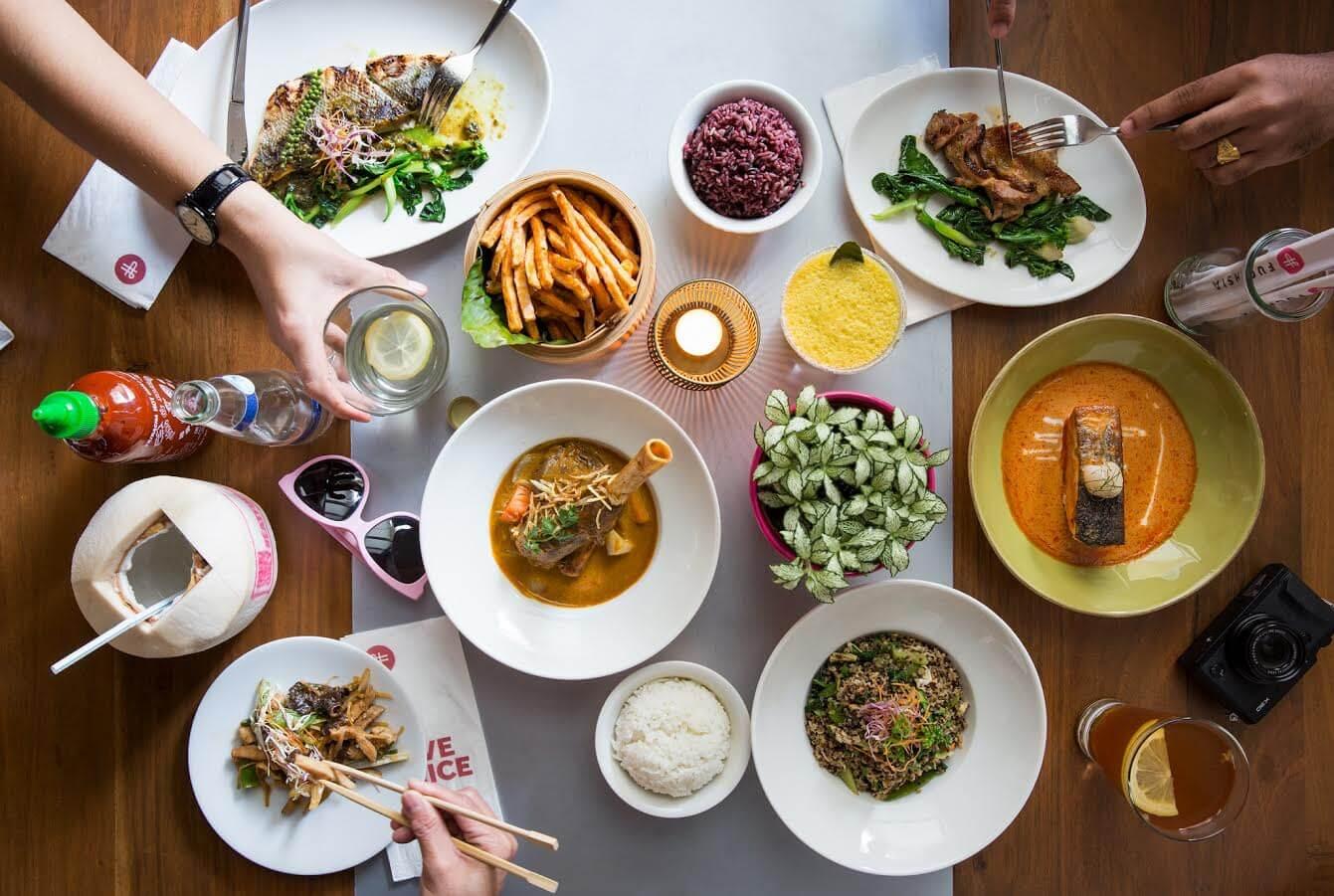 مطعم فوشيا يحتفل بعيد الأم بطريقته الخاصة