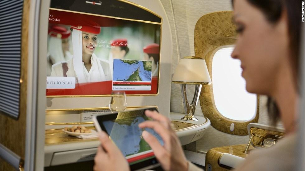 Photo of طيران الإمارات يوفر بدائل ذكية للمسافرين إلى أمريكا بعد قرار الحظر