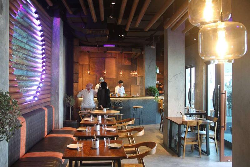 مطعم 3 فيلز للمأكولات العالمية في دبي