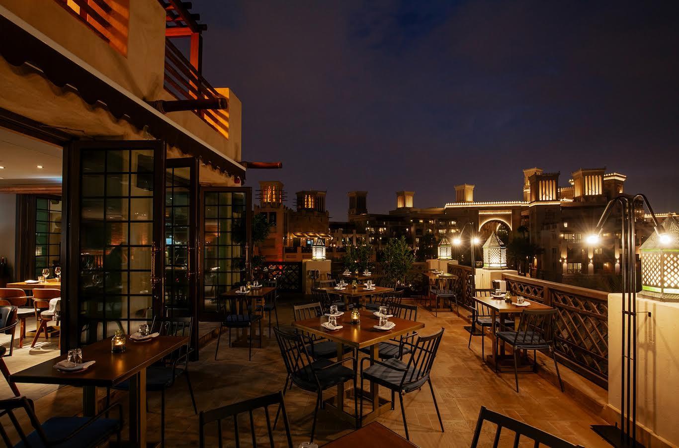 مطعم فولي باي نك اند سكوت يطلق مفهوم عصري وتفاعلي