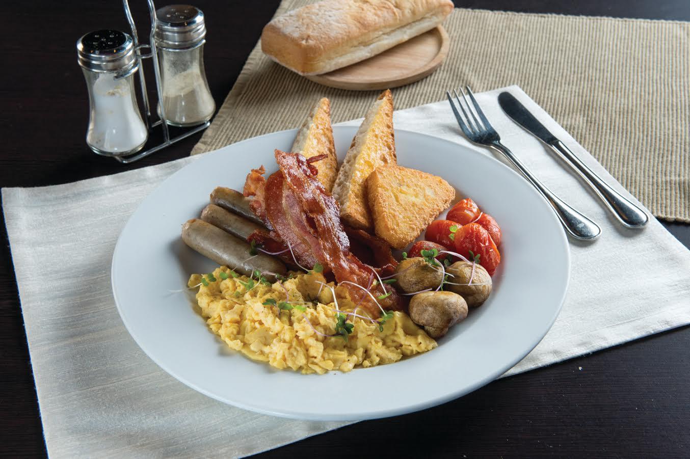 مطعم ومقهى ذا كوفي كلوب يقدم تشكيلة متنوعة من أطباق البيض اللذيذة