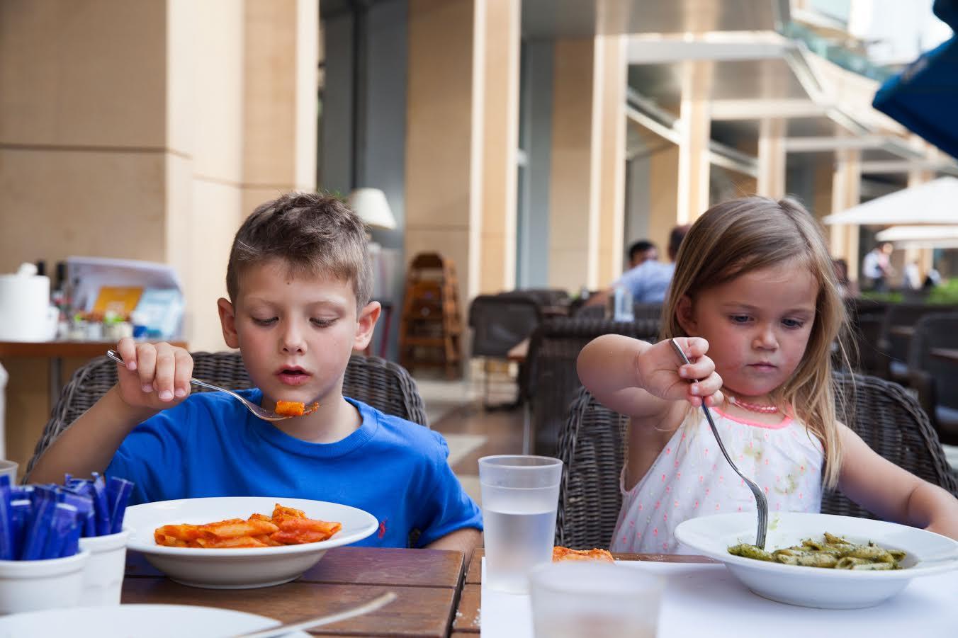 Photo of كارلوتشيوز يطلق قائمة طعام جديدة للأطفال بدرهم واحد فقط