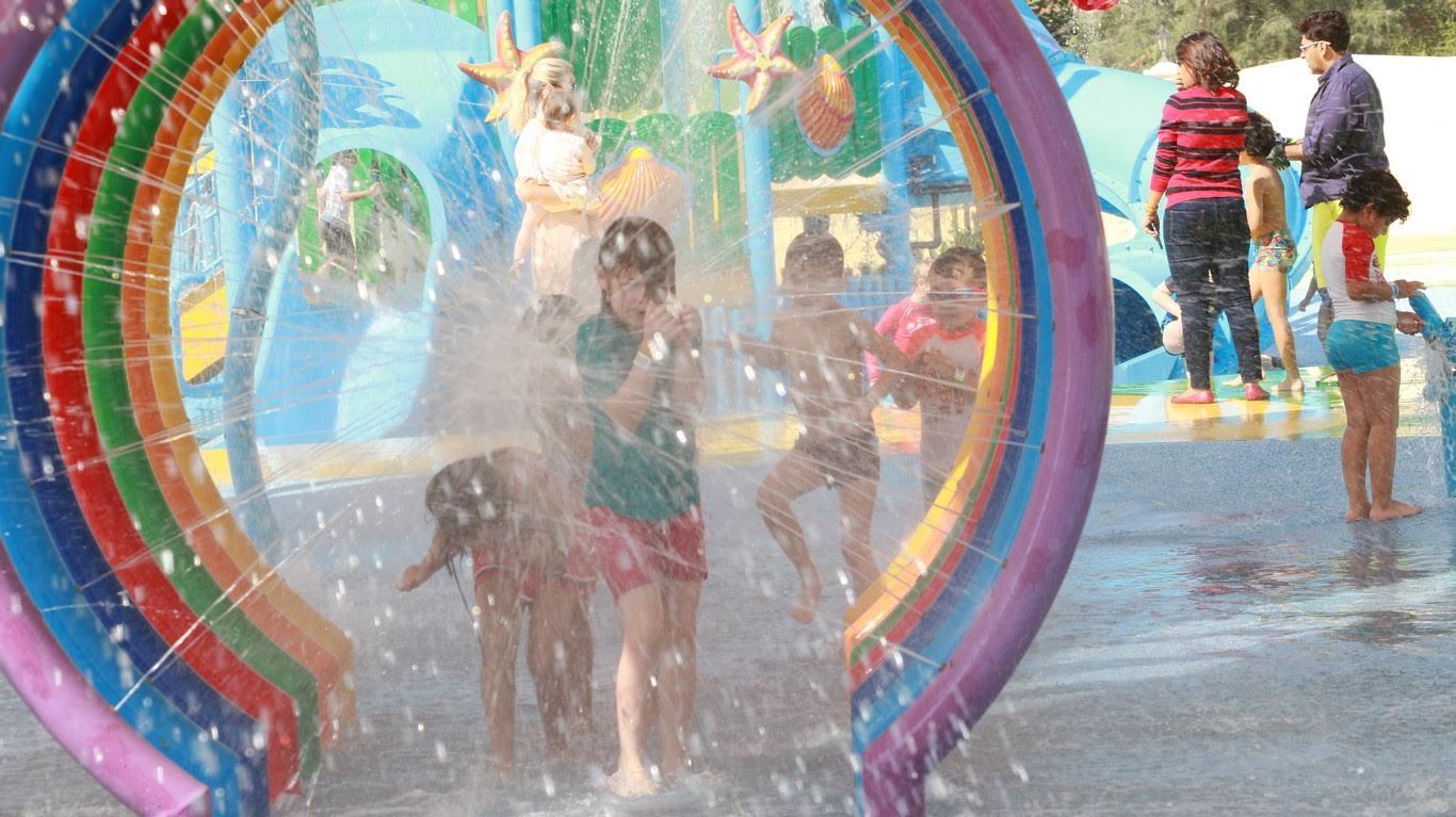 حدائق سبلاش أند بارتي المائية تطلق كرنفال نهاية المدرسة 2017