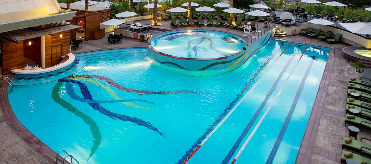 jumeirah-creekside-hotel-the-aviation-club-pool-hero