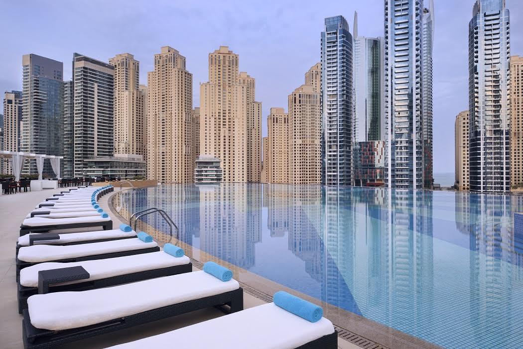 Photo of يوم كامل في المسبح من العنوان مرسى دبي