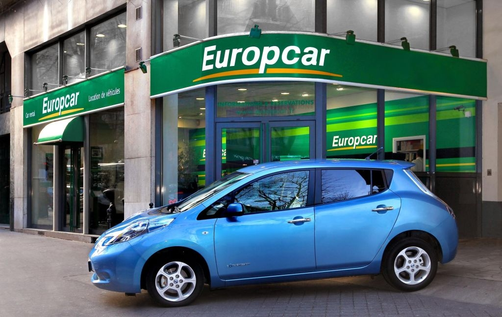 024174-100-electric-nissan-leaf-joins-daily-rental-market-with-europcar_1-lg