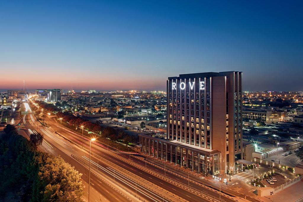 نظرة على فندق روف تريد سنتر دبي