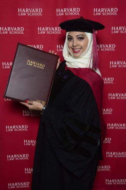 من هي الإماراتية فاطمة القبيسي ؟