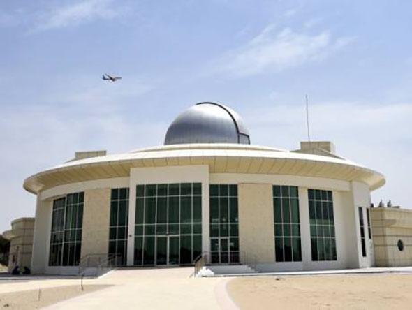 نظرة على مركز الثريا للفلك في دبي