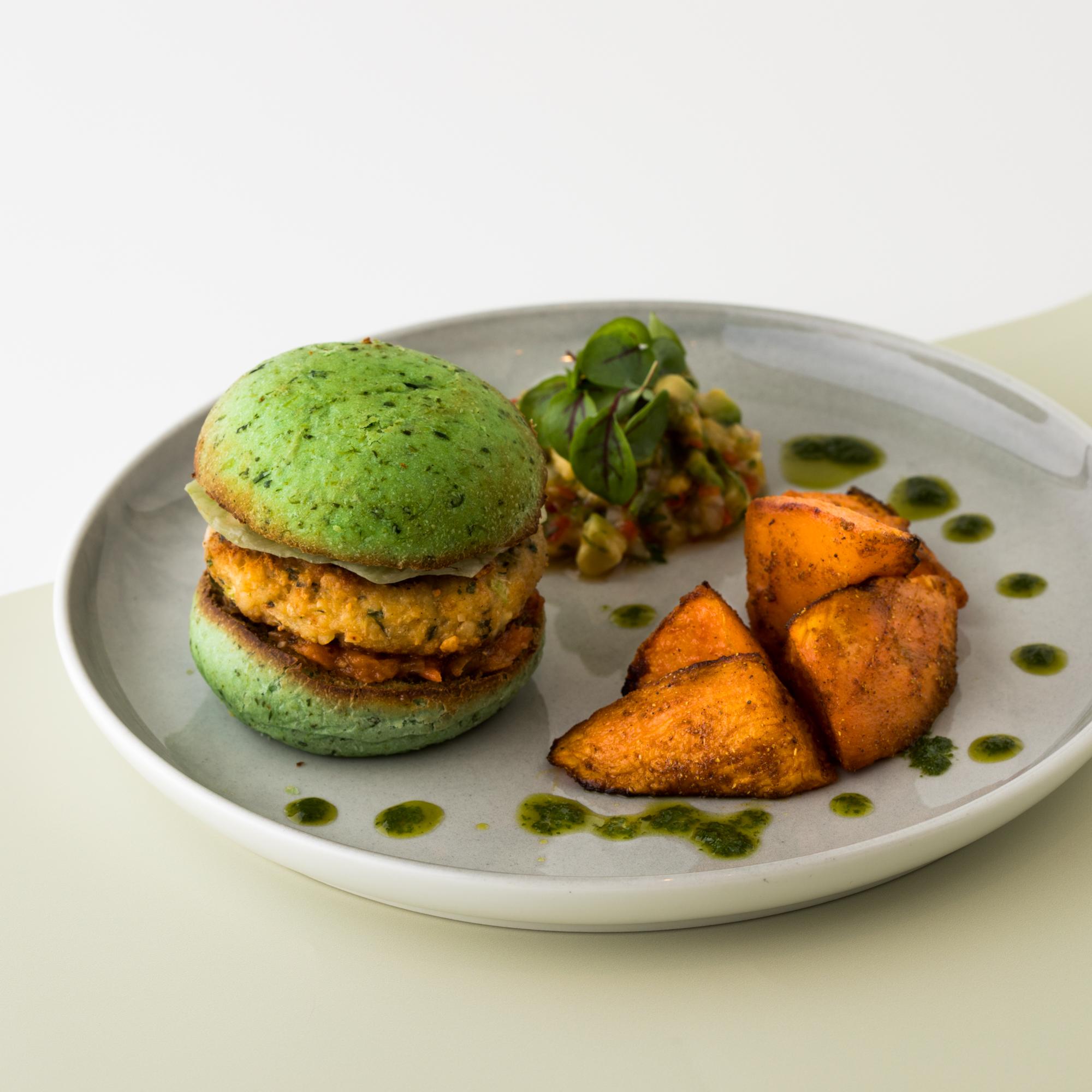مطعم فلو دبي يقدم قائمة الطعام الجديدة والصحية