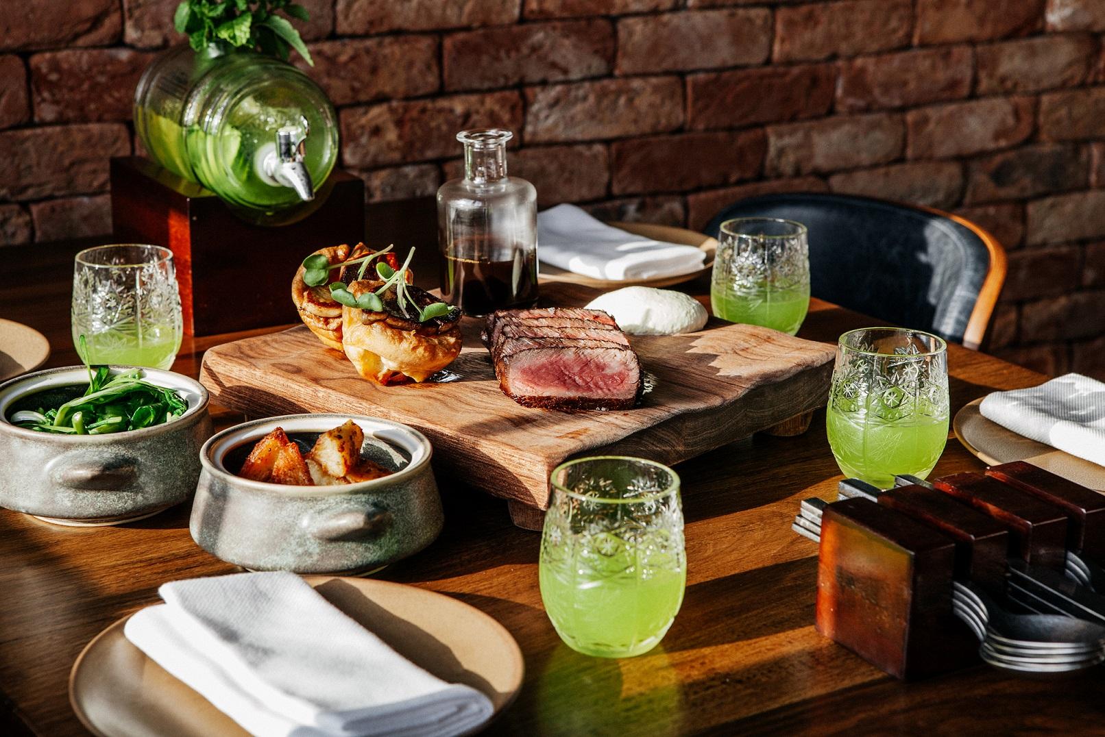 مطعم فولي باي نك آند سكوت يقدم غداء من نوع خاص