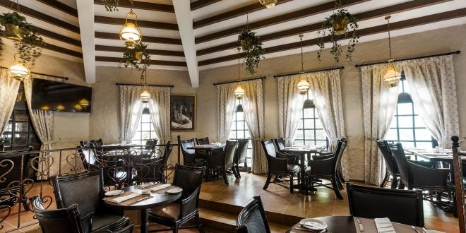 Hilton Abu Dhabi – Hemingway's(1)