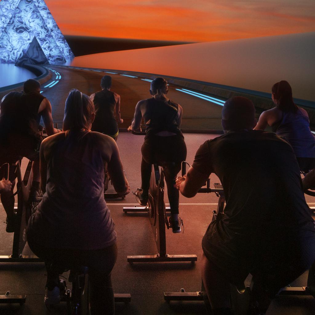 صورة دبي تحتضن أول استديو لركوب الدراجات الهوائية في الواقع الإفتراضي