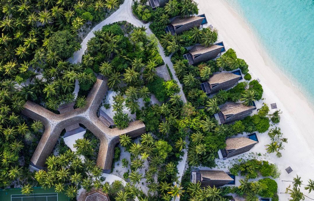 Photo of منتجع سانت ريجس المالديف فومولي يقدم تجربة مميزة للقفز على الترامبولين
