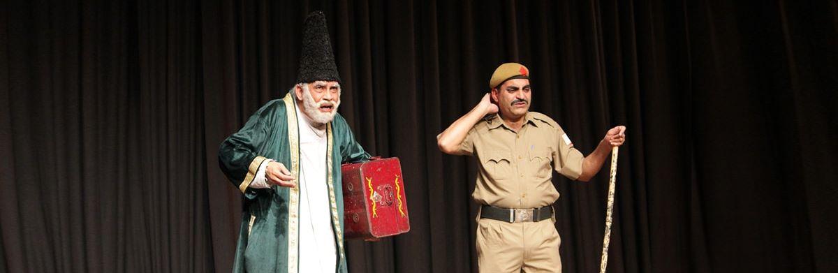 دبي تستضيف مسرحية غالب في دبي