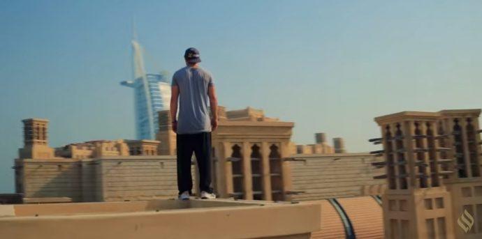 بالفيديو مغامرة بطل الباركور كيي ويليكس في دبي