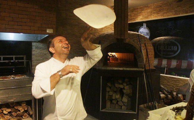 تناول الذ البيتزا في دبي من تحضير دانيلو سانغريغولي