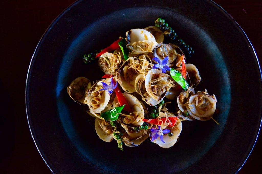 Palace Downtown – Thiptara – Stir fried white clam, basil, lemon grass, garlic, chili, oyster sauce
