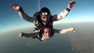 Photo of تعرف على أول امرأة إماراتية تمارس رياضة القفز المظلي