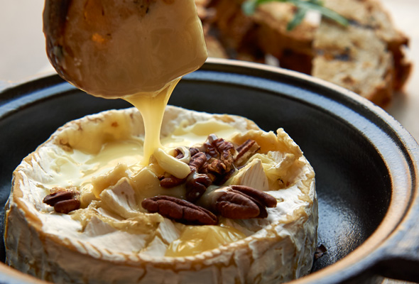 Baked-Camenbert-fig-jam-and-truffle-honey-11-55AED