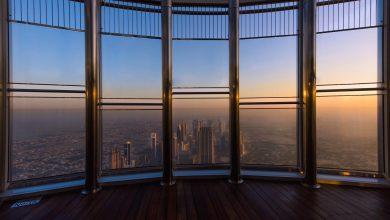قمة برج خليفة تقدم فرصة التمتع بإطلالة رائعة عند شروق الشمس