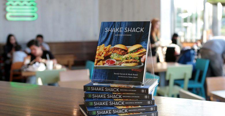 شيك شاك يطلق كتاب وصفات وحكايات شيك شاك في الشرق الأوسط