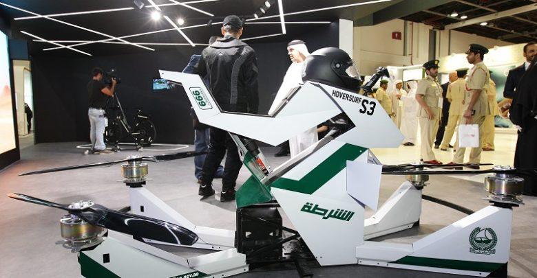بالفيديو تعرف على دراجات شرطة دبي الطائرة