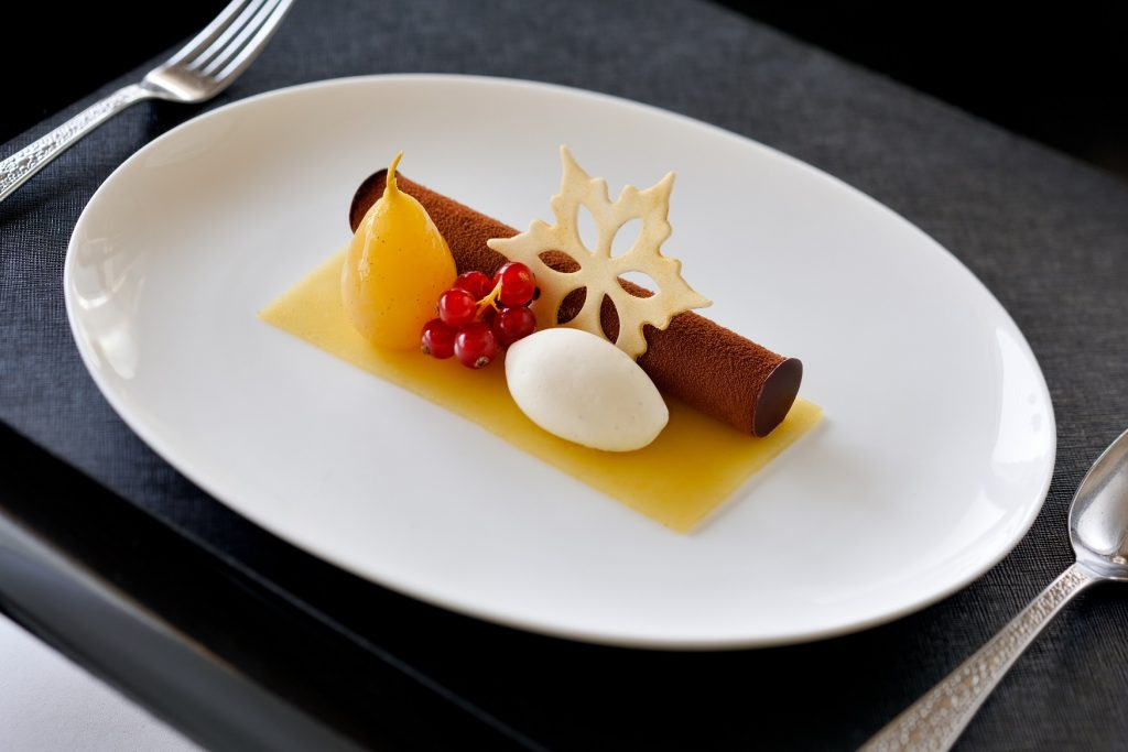 Armani Deli – New Year – Monte bianco, chocolate mousse candied chestnut, william pear, gold 23 carart meringue