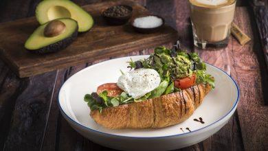 مطعم ومقهى ذا كوفي كلوب يقدم قائمة طعام جديدة تحتوي الكروسان الذهبي