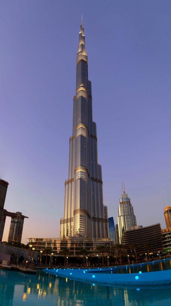 شاهدوا عروض نافورة دبي الرائعة عن قرب ومن منظور جديد كلياً!