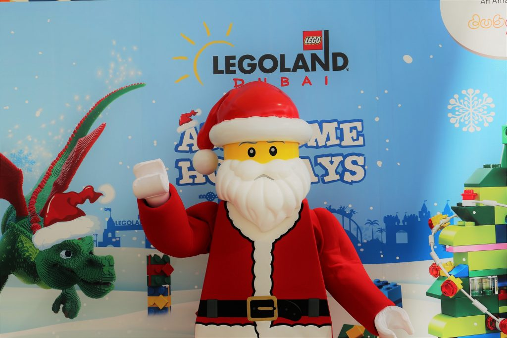 From 10 Meter tall LEGO Christmas trees, to festive building experiences and photos with Santa, LEGOLAND® Dubai is the place to be for families this holiday season