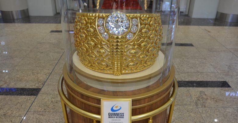 أكبر خاتم ذهبي في العالم