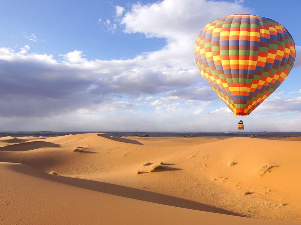 المنطاد الصحراوي دبي