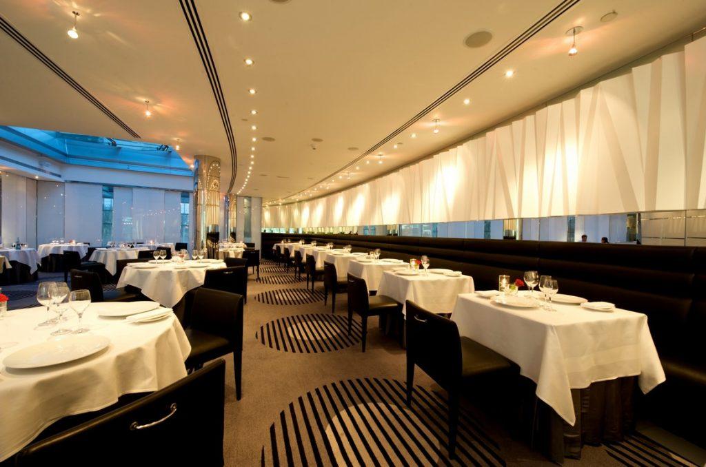 مطعم تيبل 9