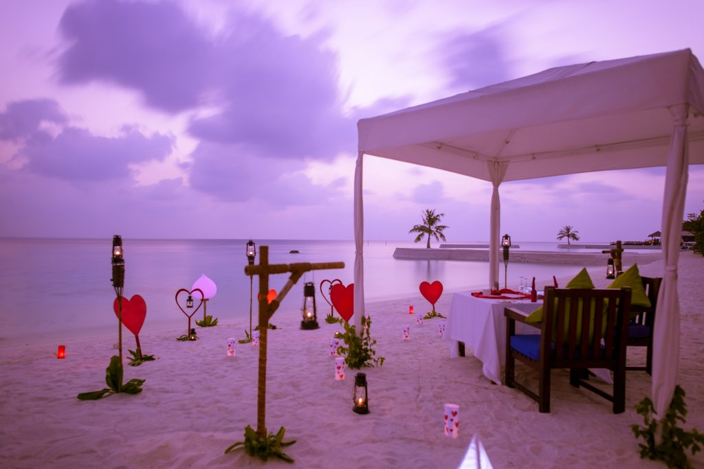 Jumeirah Vitavelli – Romantic-Beach-Dining