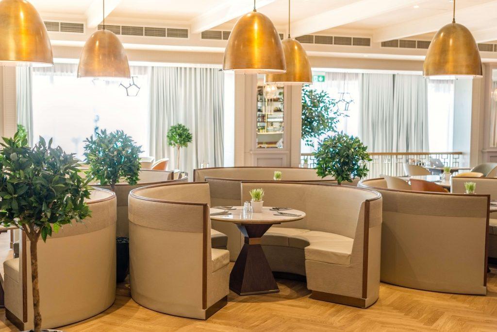 مطعم رانشز في نادي المرابع العربية للجولف بدبي