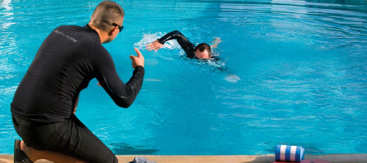 jumeirah-living-wtcr-facilities-pool-02-hero