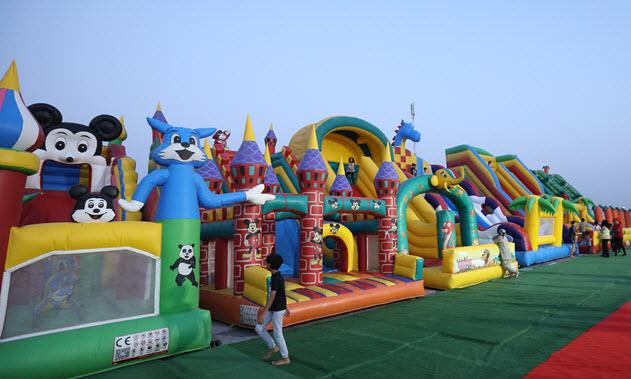 مهرجان مفتوح للأطفال في عَ البحر بكورنيش أبوظبي