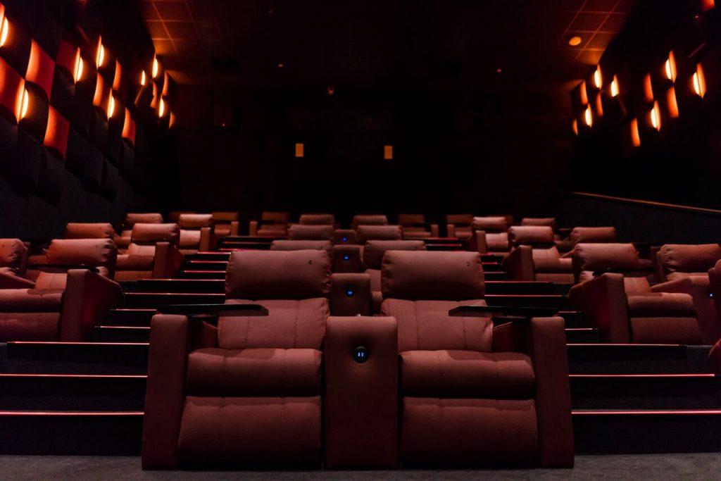 افتتاح مسرح ايماكس في مول زيرو6 بالشارقة
