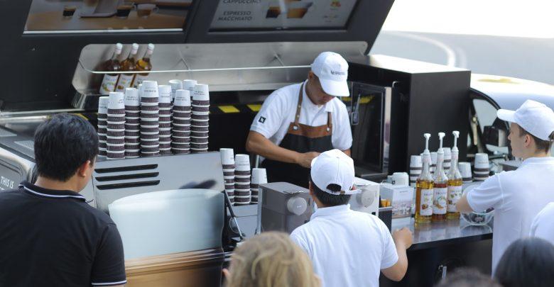 شاحنة قهوة متنقلة من نسبريسو