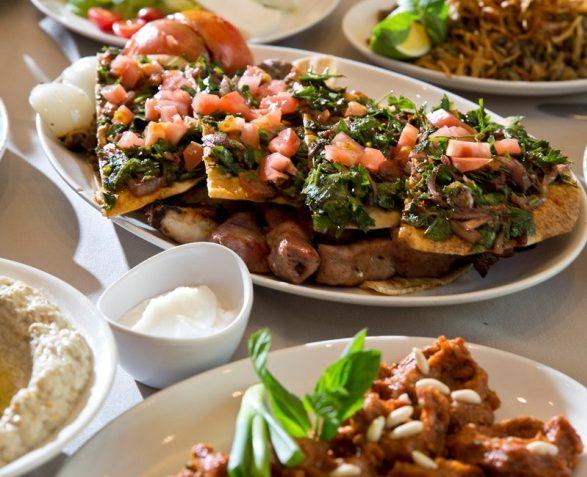 قوائم الإفطار الرمضاني في مطاعم كرم بيروت وعبدالوهاب وأزورو