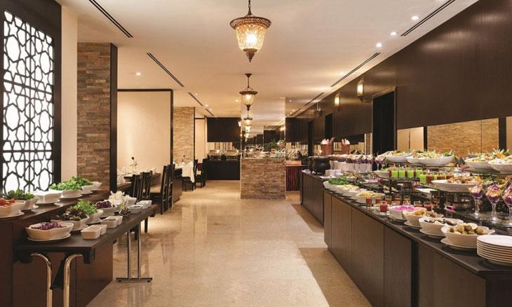مطعم أوركيد في فندق وأجنحة رمادا