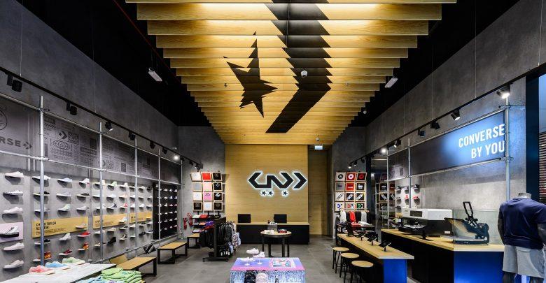 افتتاح أول متجر Converse في دبي