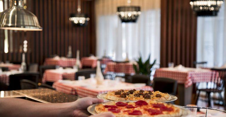 افتتاح مطعم دينوز بيسترو الإيطالي