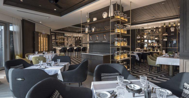 مطعم جوستو الإيطالي في فندق البندر روتانا