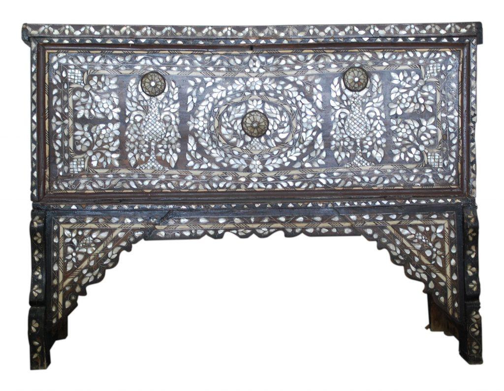 قطع أثرية إسلامية في متحف مؤقت في ياس مول