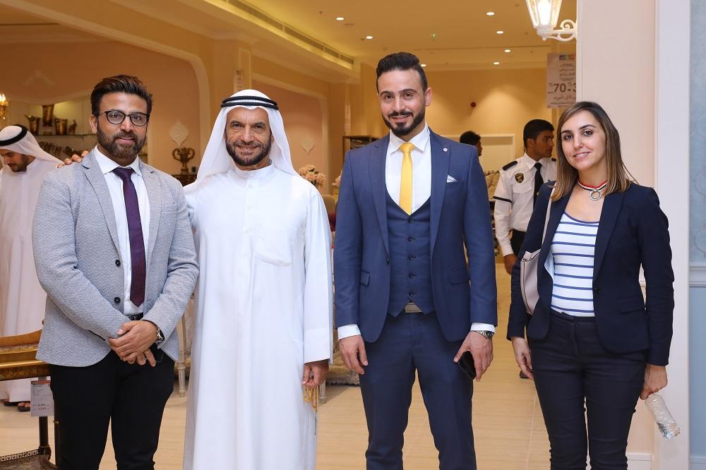 افتتاح متجر حول الإمارات الجديد في مزهر