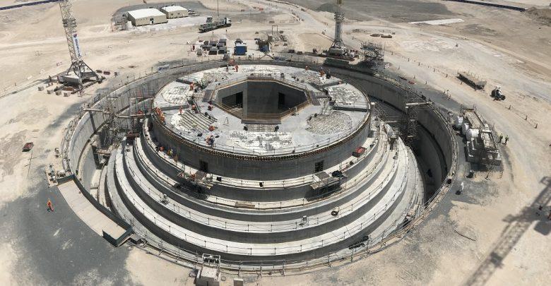 صب الأساسات الخرسانية في برج خور دبي قبل الموعد المحدد